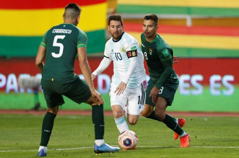 Lionel Messi (C) played the full 90 minutes in World Cup qualifying matches. afp_en