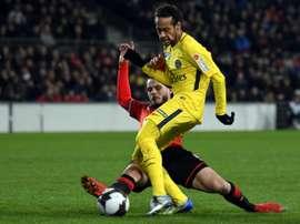 Neymar não é só marcar, também oferece muitos gols aos companheiros. AFP