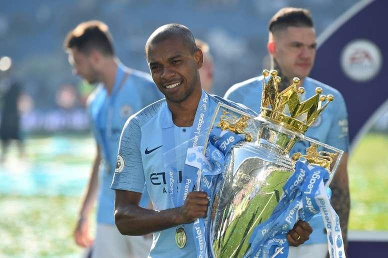 Fernandinho, do Manchester City, falou sobre o preconceito racial em sua carreira. AFP