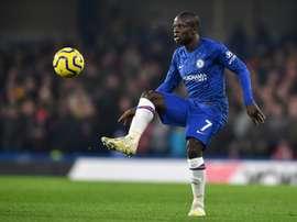 Kanté escolhe permanecer no Chelsea. AFP