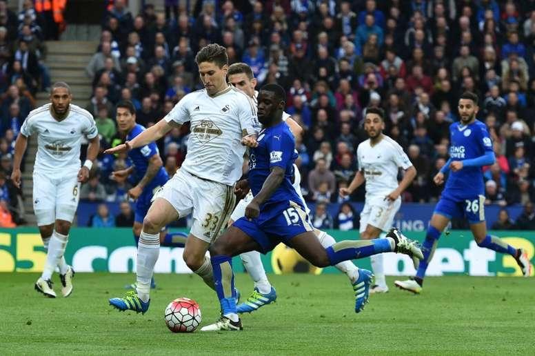 Schlupp sólo saldrá del Leicester por más de 11 millones de euros. AFP