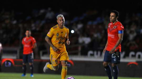 Veracruz called for a three minute strike, but Tigres claimed it was only one. AFP
