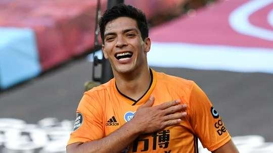 Raúl Jiménez hizo el único tanto de penalti. AFP