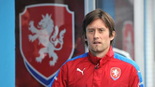 Czech Republics midfielder Tomas Rosicky is pictured as he leaves the stadium for a press conference in Tours on June 18, 2016