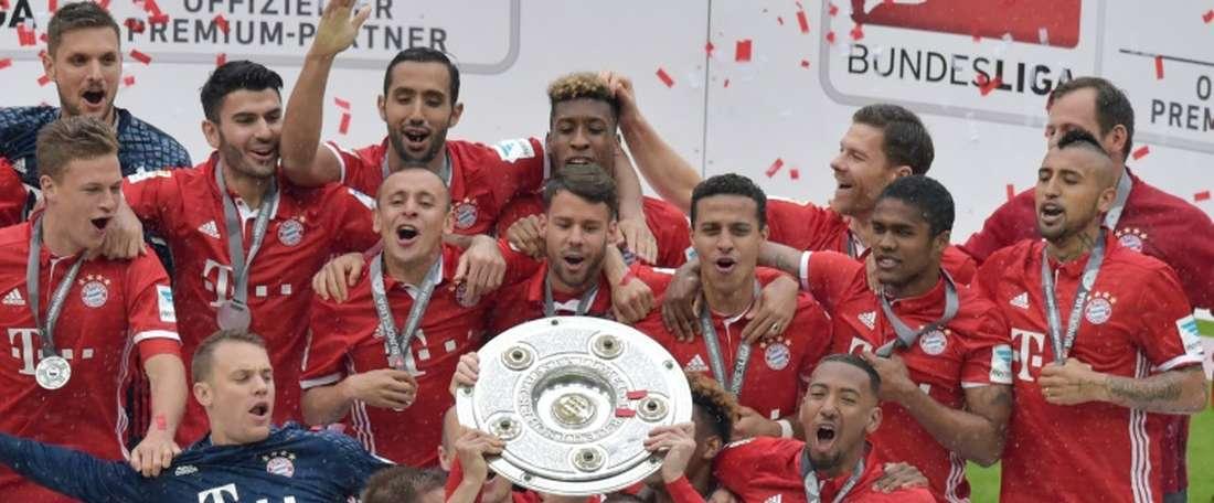 El Bayern ha celebrado su cuarta Bundesliga consecutiva ganando al Hannover. AFP