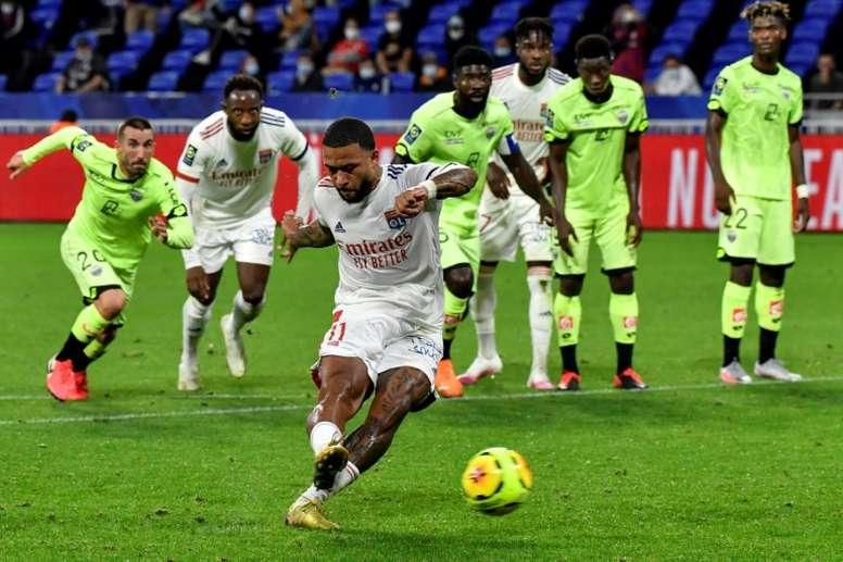 Depay hat-trick powers Lyon to win over Dijon in season opener