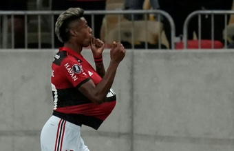 Bruno Henrique ilumina a Flamengo. AFP