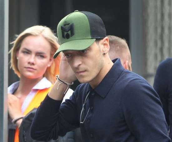 Özil começa a ser um problema para Emery. AFP