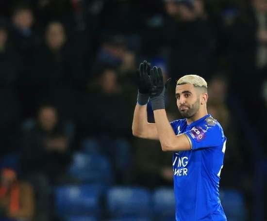 Vitória do Leicester contra o Arsenal. AFP