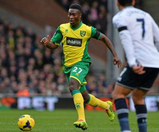 Alexander Tettey amplía su contrato con el Norwich City. AFP