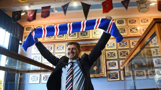 Rangers manager Steven Gerrard said he would not 'obsess' about Celtic. AFP