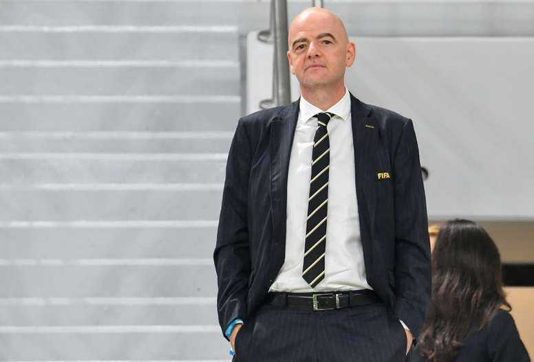 La FIFA busca formas para poder acabar la presente temporada. AFP/Archivo