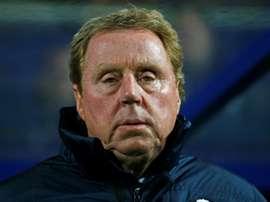 Redknapp, a punto de recibir al centrocampista Simeon Slavchev. AFP