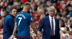 El chileno no ha comenzado con buen pie en Londres. AFP