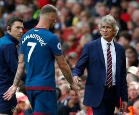 West Ham survive scare, three Premier League sides exit League Cup