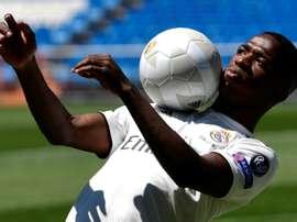 Neuf clubs désirent un prêt du Brésilien. AFP