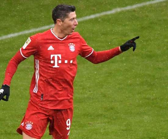 Lewandowski claims Bundesliga record, Jovic hits double on return from Real Madrid. AFP