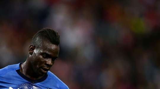 Balotelli, por ahora sin hueco. AFP