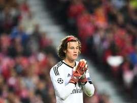 Svilar a fait ses débuts contre Manchester United. AFP
