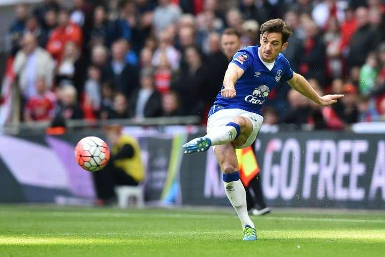 El lateral zurdo del Everton es una de las tres piezas que acaba de renovar el club. AFP
