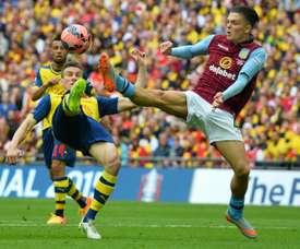 El club inglés tiene ofertas por los tres futbolistas. AFP