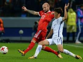 Rausch (i) jugará en la Liga Rusa por primera vez. AFP