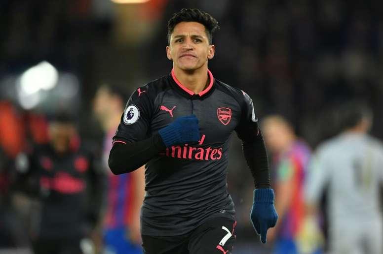 Alexis tiene las horas contadas en el United. AFP