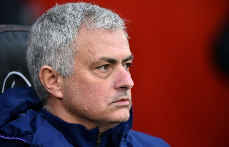 Tottenham issue warning after Mourinho and players seen training. AFP