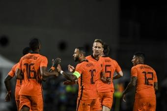 Un Depay desatado salva el honor de Países Bajos. AFP