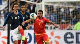 Le geste de Griezmann envers le capitaine d'Andorre. AFP