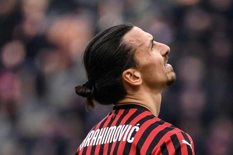 Zlatan Ibrahimovic admitiu que deve deixar o Milan. AFP