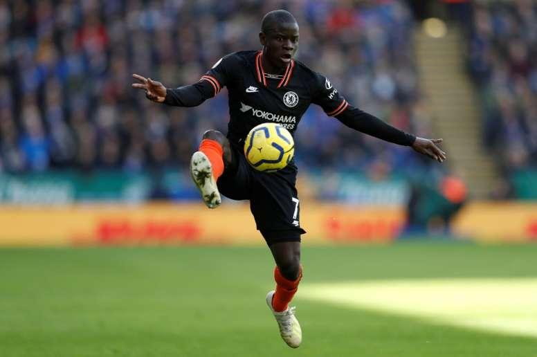 Kanté seguirá en el Chelsea. AFP