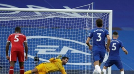 Jorginho no ha estado acertado desde los once metros últimamente. AFP/Archivo
