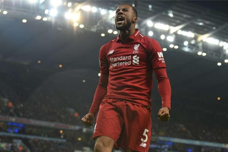 Liverpool faz o dever de casa e segue líder. AFP