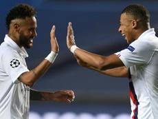 Neymar (L) always believed PSG could fight back v Atalanta. AFP