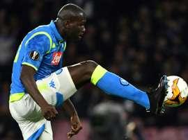 Koulibaly pode perder o jogo de ida contra o Barça. AFP