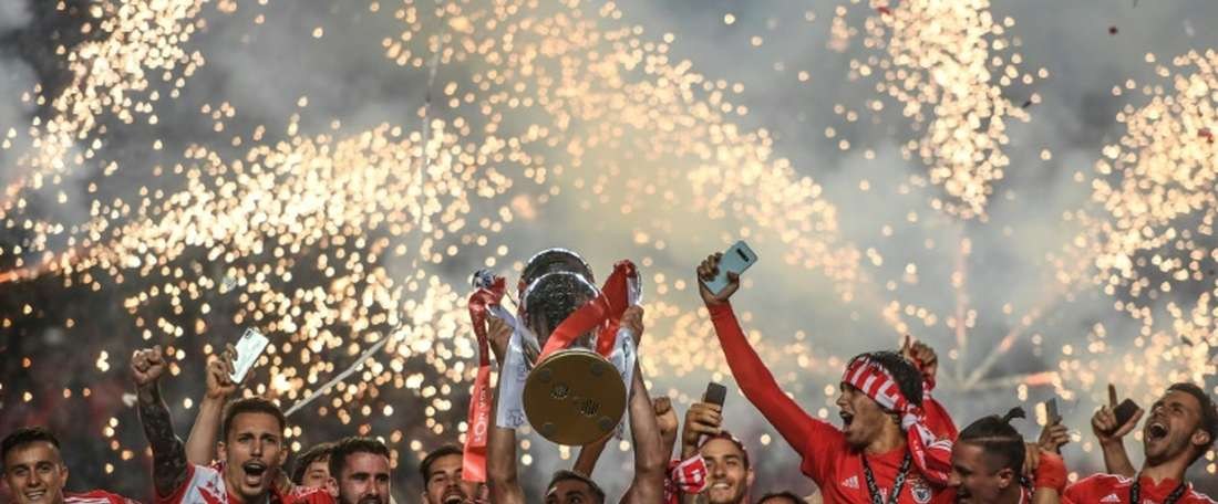 Benfica quer renovar com zagueiro. AFP