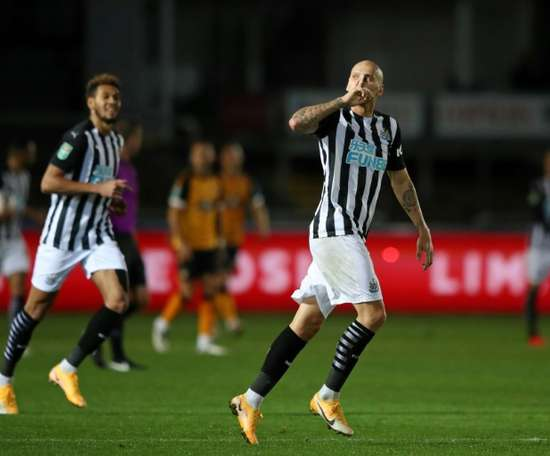 Jonjo Shelvey and Newcastle beat Newport on penalties in the Carabao Cup. AFP
