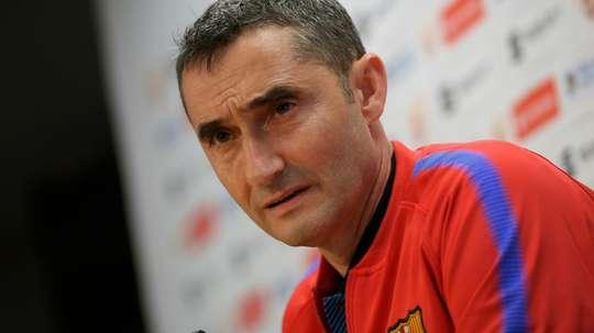 Ernesto Valverde pode ter o lugar em risco no Barcelona. EFE