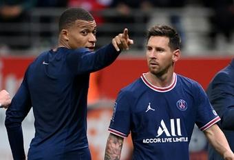 Messi ou Mbappé pour guider le PSG ? Anelka a fait son choix. AFP