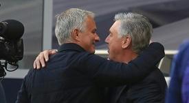 Carlo Ancelotti vê dupla do Tottenham como bom reforço para o Leeds. AFP