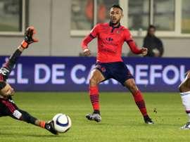 El acuerdo fue mutuo entre el equipo y el propio futbolista. AFP