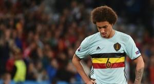 El centrocampista belga podría regresar al fútbol europeo. AFP
