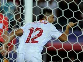 Sevillas Wissam Ben Yedder backheeled home an injury time winner in a chaotic 2-1 win over Alaves