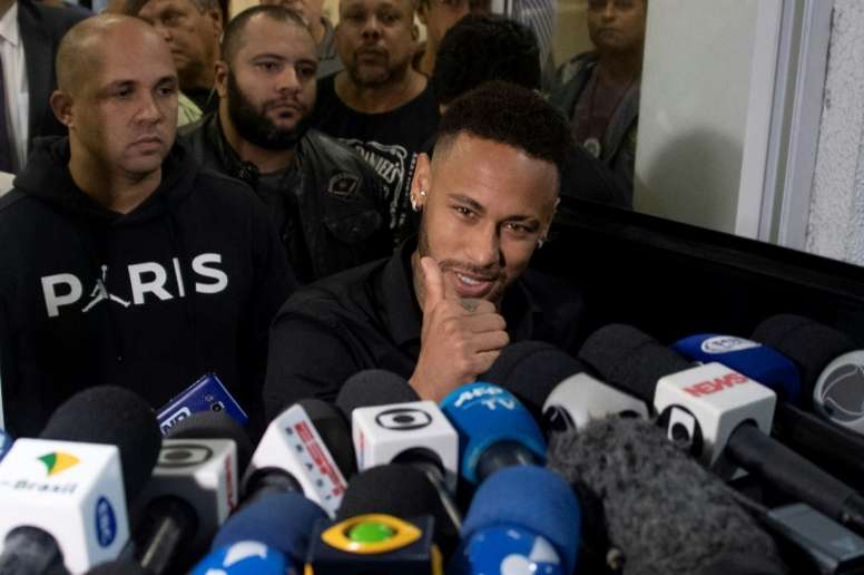 Neymar broadens his horizons: no longer excusively available to Barça. AFP
