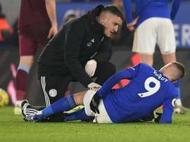 Leicester's Vardy limps off with hamstring injury. AFP