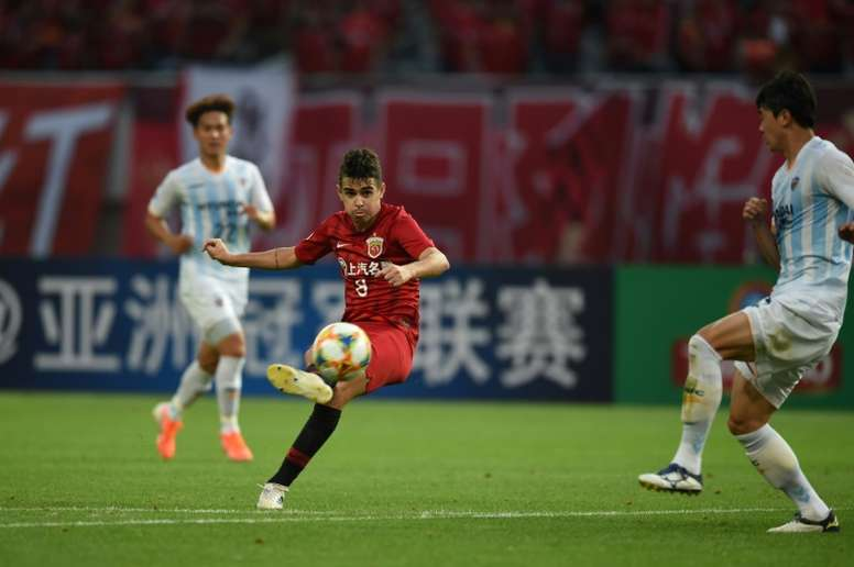 Oscar's hat-trick helped Shanghai SIPG with crushing victory. AFP