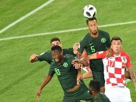 Troost-Ekong, con el 5, fue al pasado Mundial. AFP/Archivo