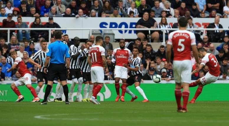 Xhaka marcó un golazo. AFP