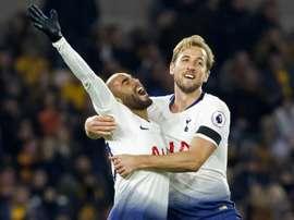 Lucas Moura y Kane fueron anotaron dos goles. AFP